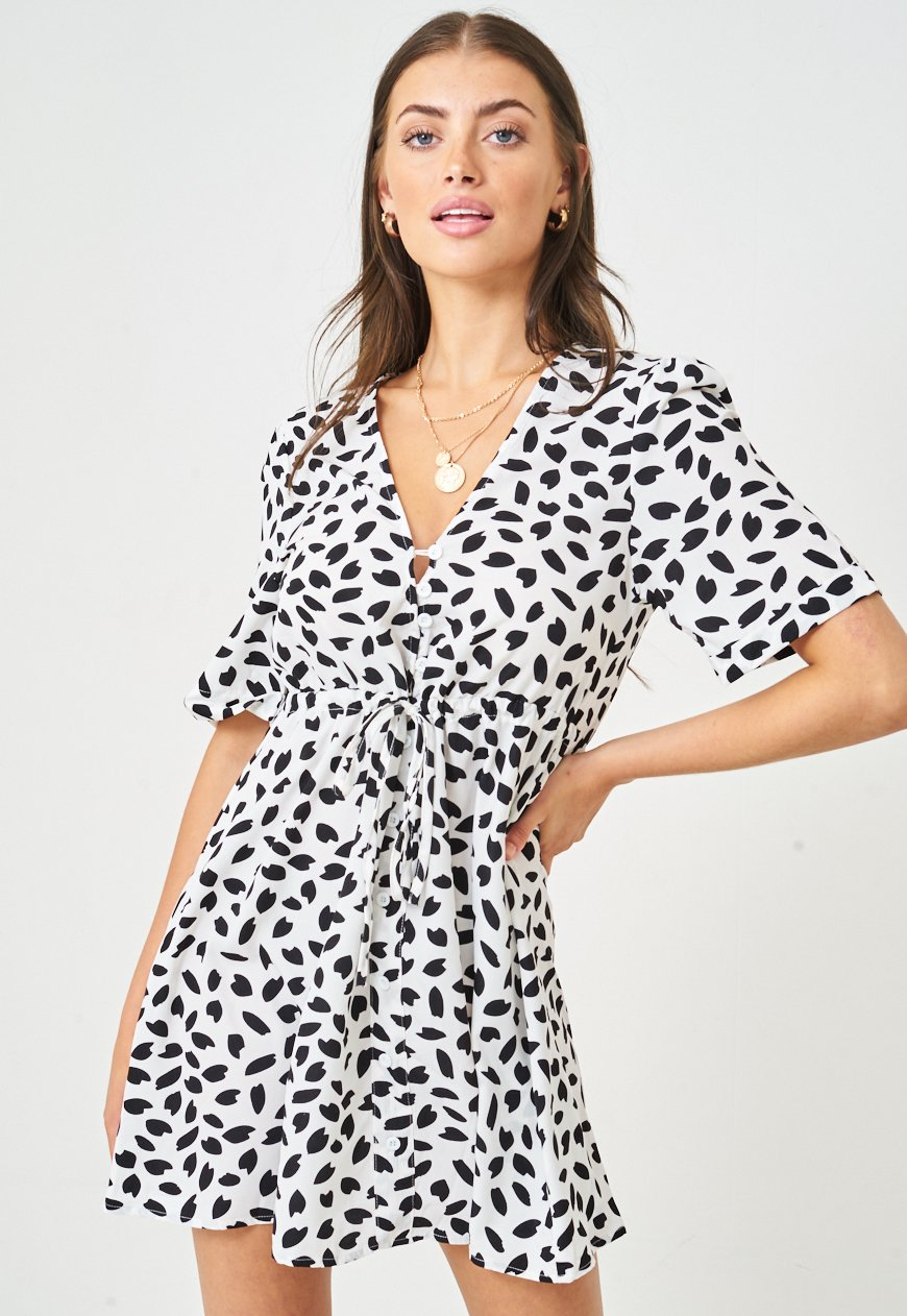 Leopard Print Short Sleeve Mini Smock Dress in Monochrome - love frontrow