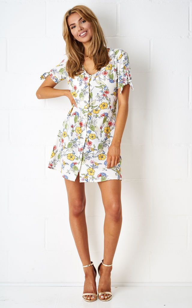 Viktoryia Floral Shift Dress In White - love frontrow