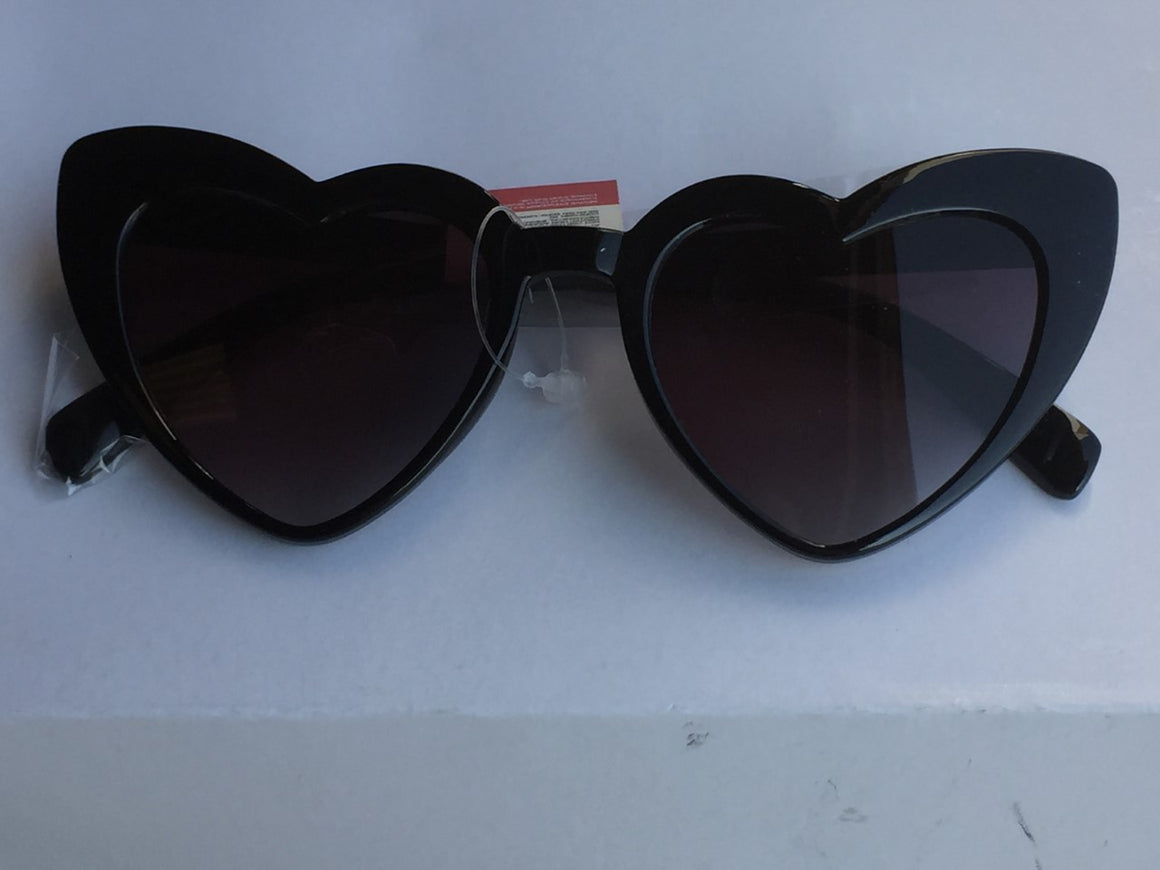 Black Heart Vintage Sunglasses - Pretty Kitty Fashion