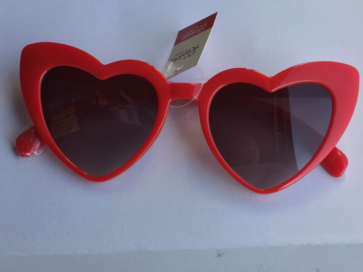 Red Heart Vintage Sunglasses - Pretty Kitty Fashion