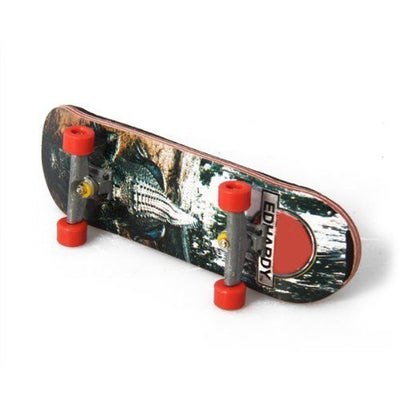 HT00640 Wooden Finger Skate Board + Screwdriver Random Pattern SH