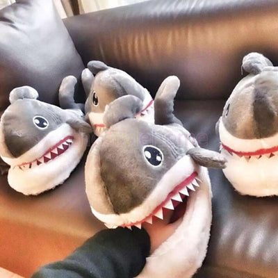 MagiDeal Naughty Shark Warm Soft Plush Slippers Home Winter Slippers Gift