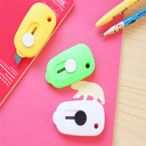 Mini Portable Knife Paper Cutter Cutting Paper Razor Blade Office Stationery TO