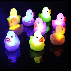 Alcoa Prime 3x Baby Bath Bathtime Toy Multi Color Changing LED Lamp Light Yellow Duck Gift