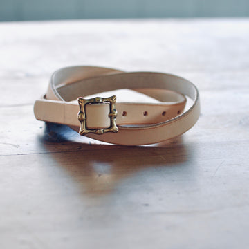 Thin Belt w Brass Buckle - Natural