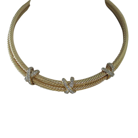 Sleek gold choker