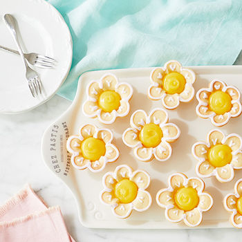 Lemon Blueberry Sugar Cookie Flowers