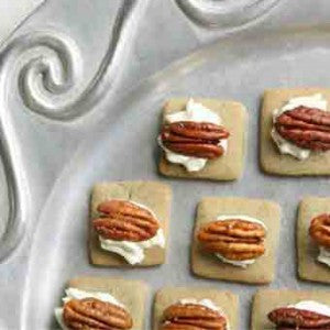 Wine Snaps with Gorgonzola Cream & Toasted Pecans