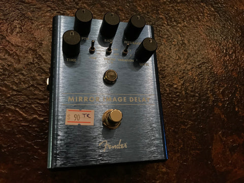 "Fender ""Mirror Image Delay"""