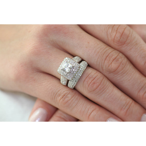 adriannis russian ice on fire simulated diamond wedding ring set 1000jewelscom - Wedding Rings Sets For Her