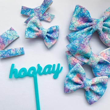 Island Breeze Glitter Lace Bow