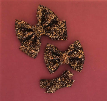 Hot Chocolate Glitter Bow