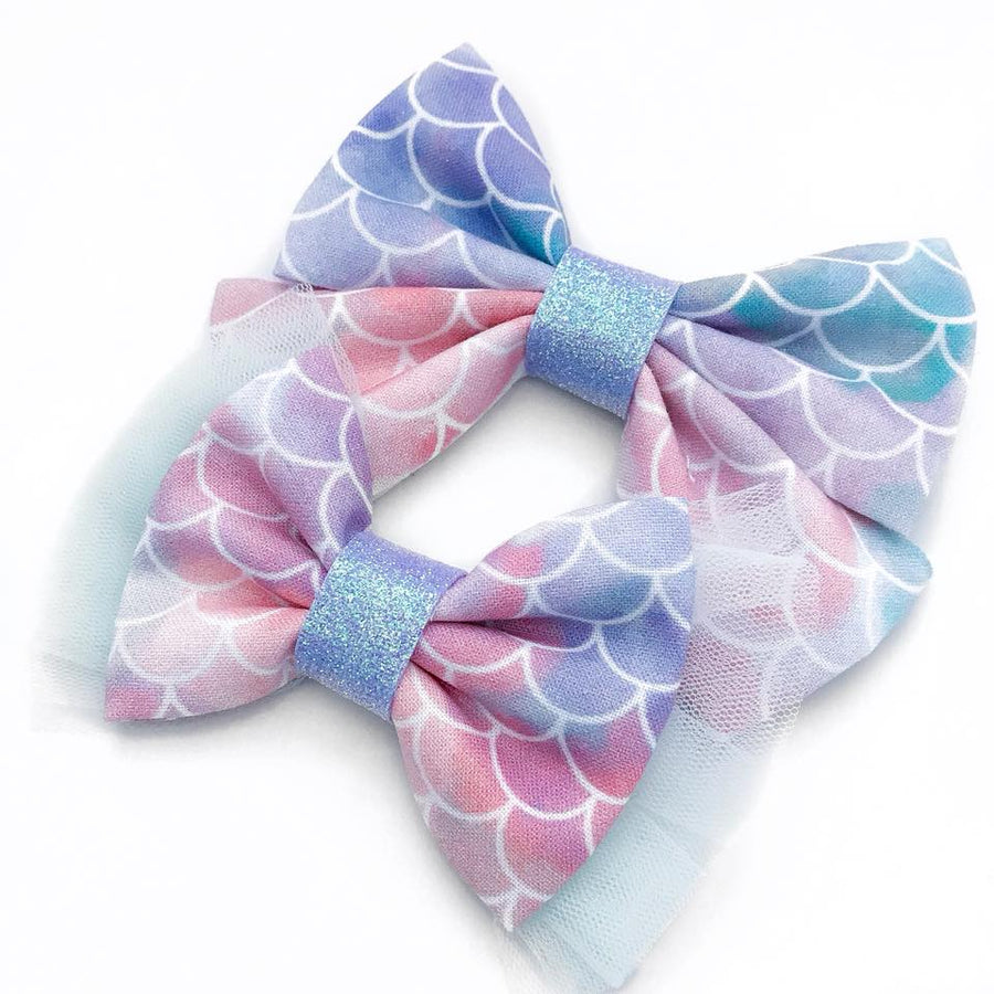 Whimsy Waves Bow