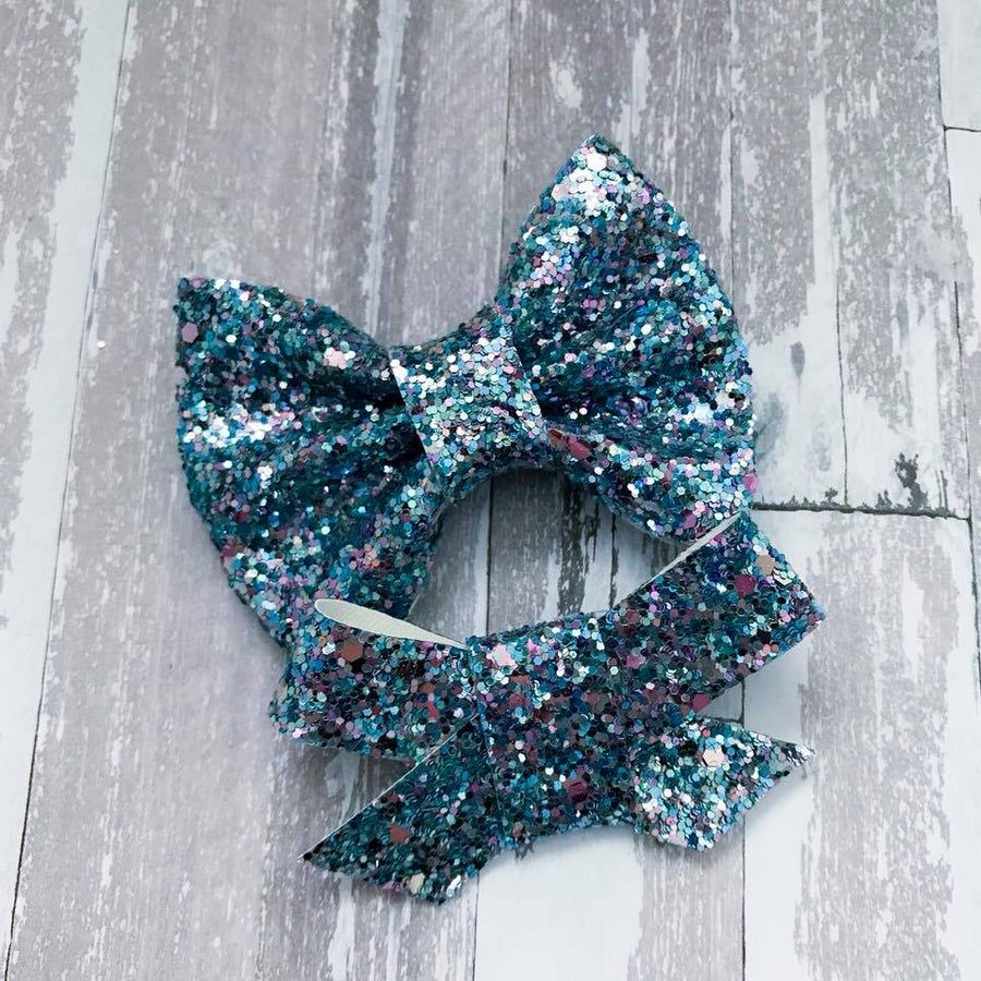 Ice Castle Glitter Bow