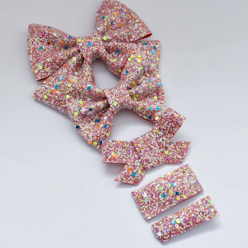 GLOW IN THE DARK Twizzler Speckles Glitter Bow