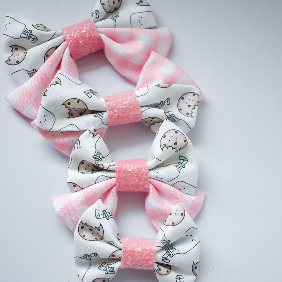 Cream Cookies Bow