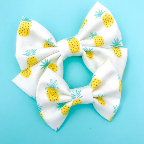 Sweet Pineapple Bow