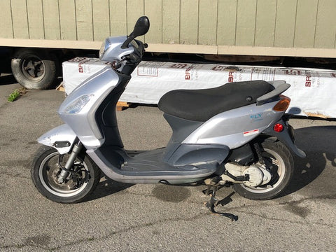 M2007 Piaggio Fly Scooter