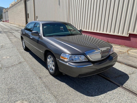 2007 Lincoln Towncar (Double)