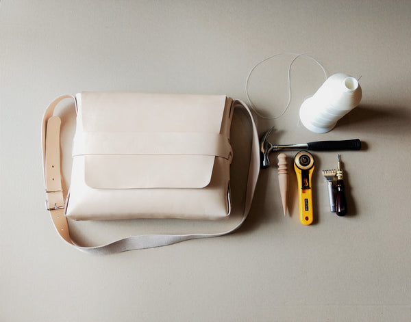 No Sew Satchel Full Day Leatherwork Course £145