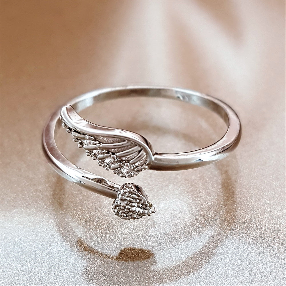 rings wiki latest wikia buffyverse cb powered angel by fandom ring claddagh