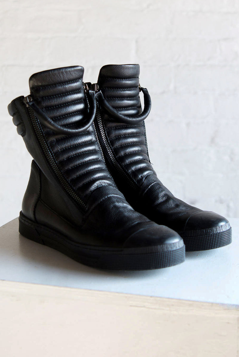 Stylish Zipper Boots