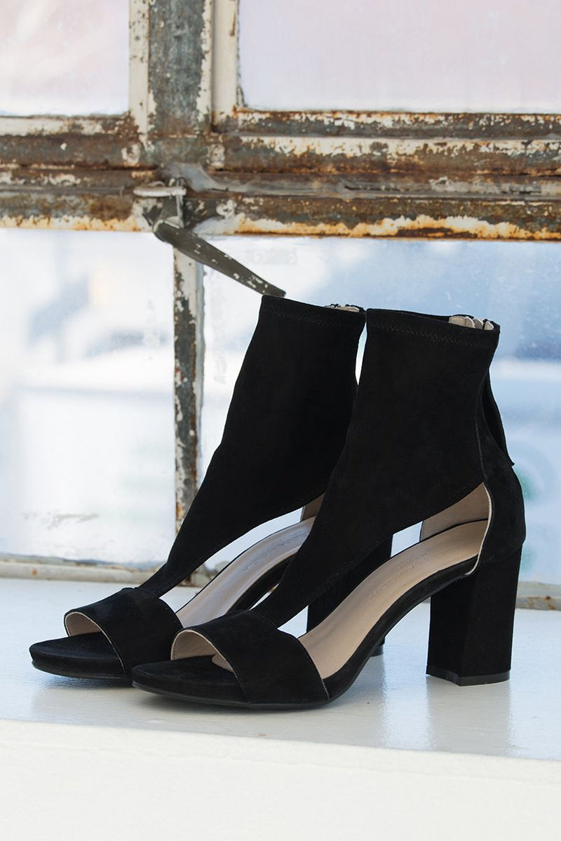 Marcellamoda-Black-Leather-Sandals-Sideways