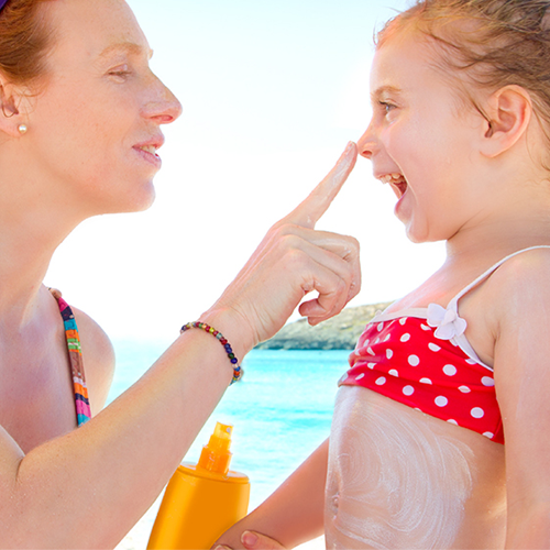 Zinc Oxide vs. Titanium Dioxide: The Scoop on Sunscreen