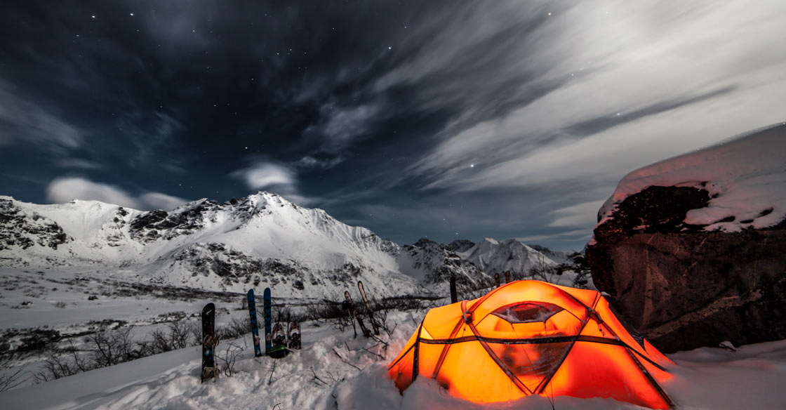 5 Tips on How to Stay Warm During Cold Weather Camping
