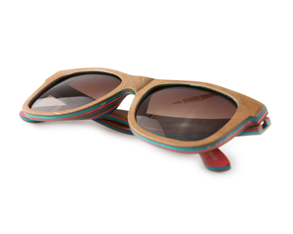 THE MAE SUNNIES