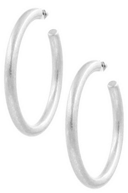 Gia Hoop Earrings in Silver