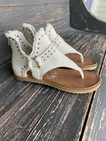 Journey Sandal in Cream