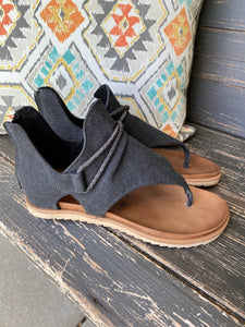Sparta Sandal in Black