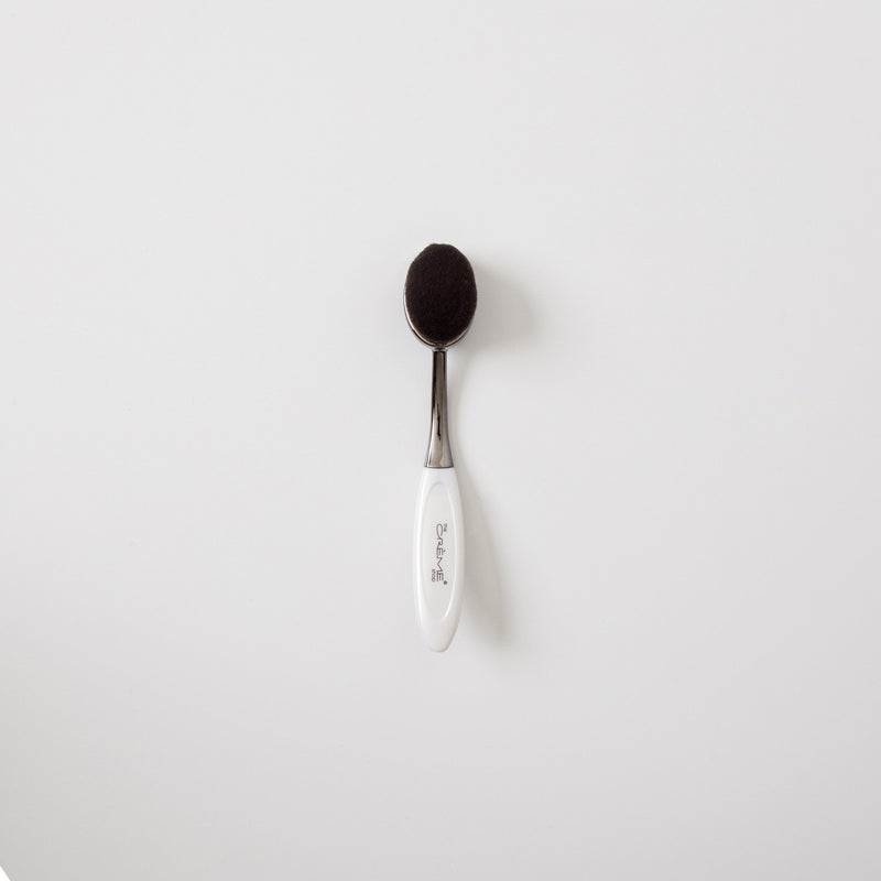 OMG Brush White - Foundation Powder, Brushes - The Crème Shop