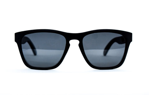 Keyhole bridge black sunglasses