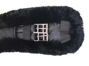 Black Fluffy Girth - Leveza