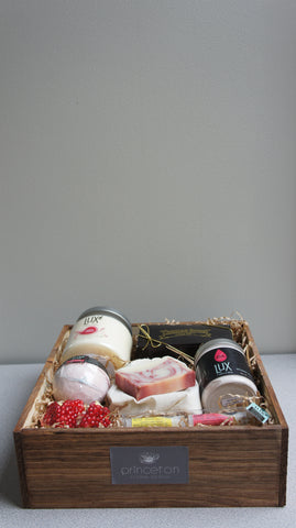 Beauty Pomegranate Gift Box