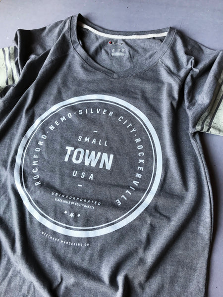 Unincorporated Small Town Varsity Tee | Oxford Grey