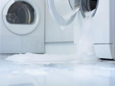 Water damage from leaking washing machine prevented
