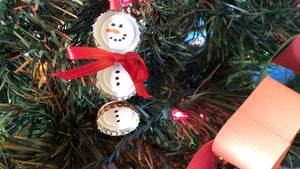 How to Make Snowman Ornaments Out of Beer Bottle Caps