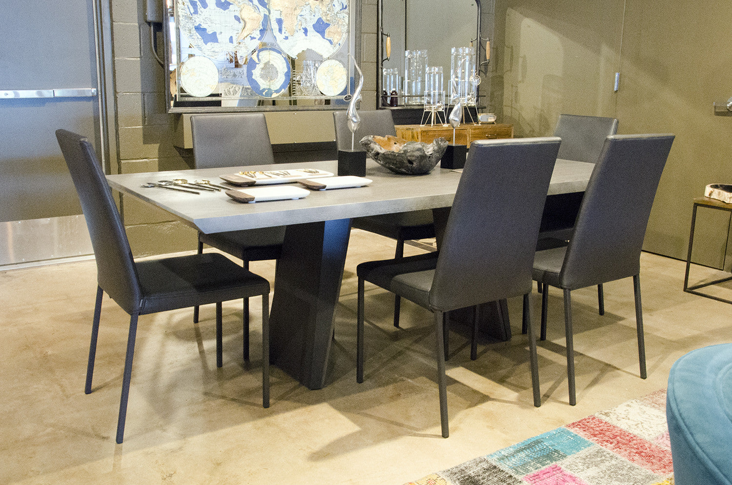 Marvelous Timeless Dining Table