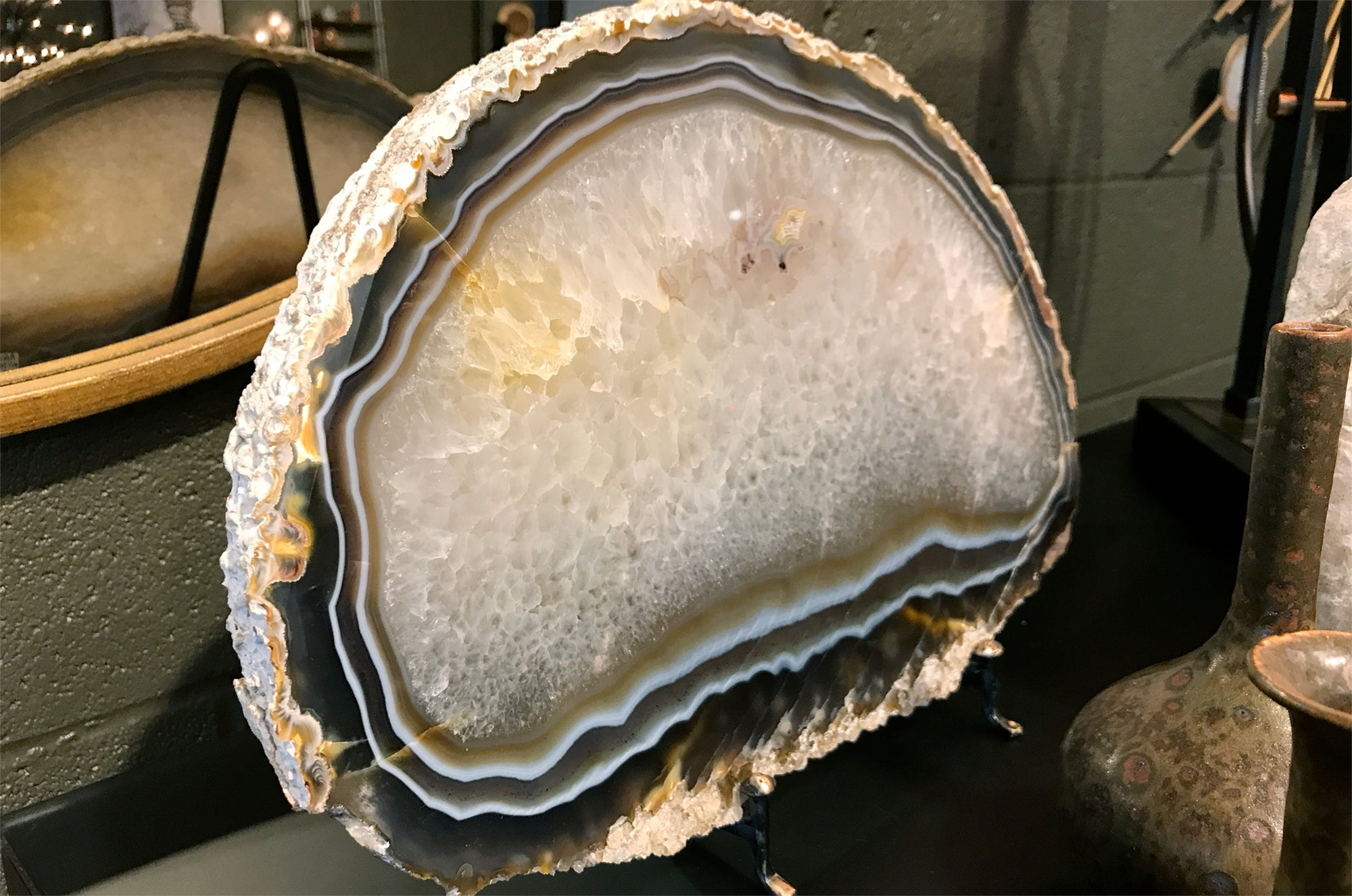 Layered Agate with Black Stand