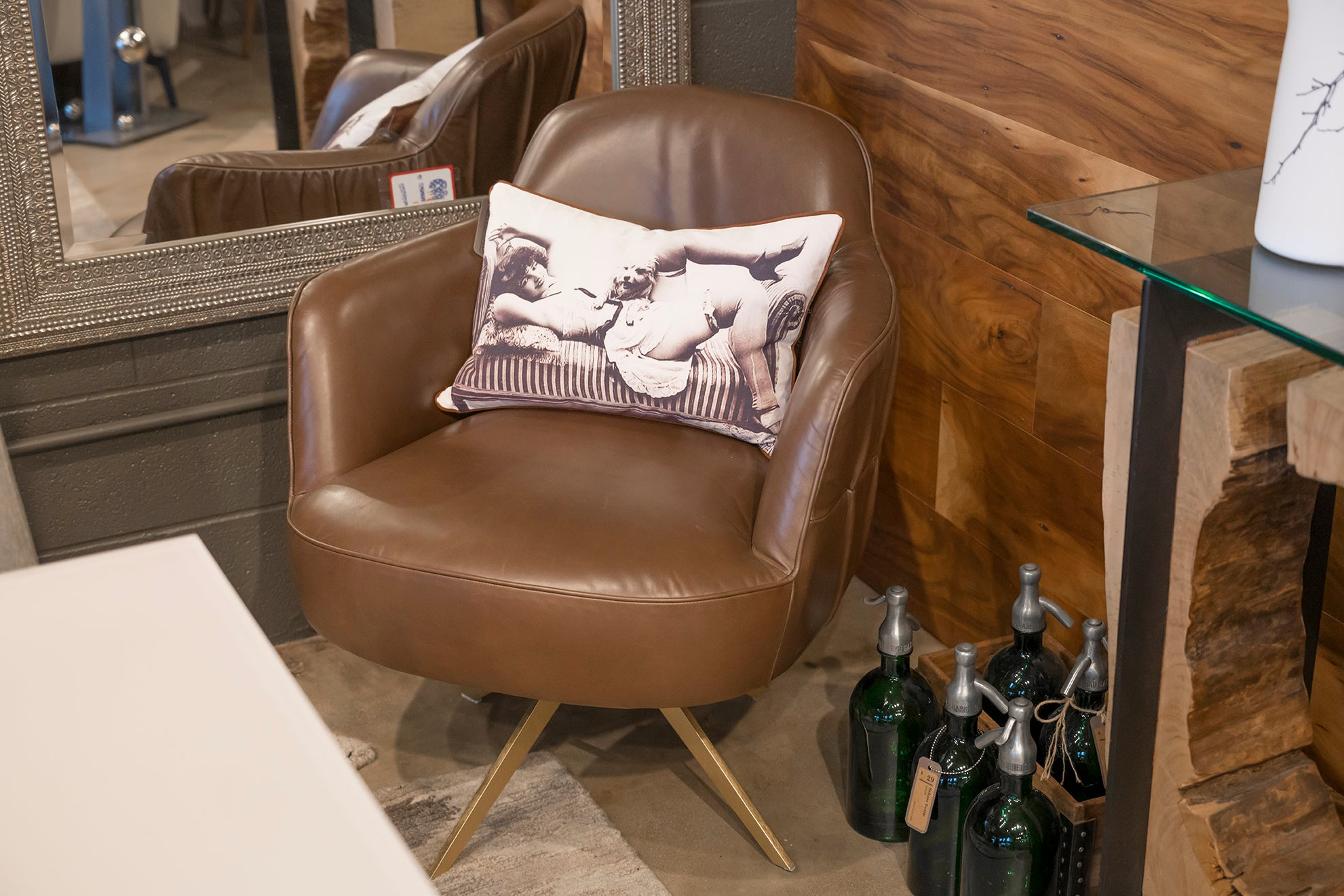 Intreccio Leather Swivel Chair