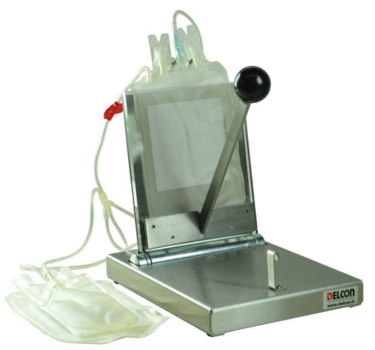 Delcon Manual plasma press , Dimensions net (W x D x H) : 19 x 25 x 24 cm