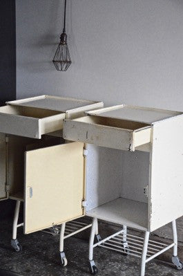 PAIR ORIGINAL VINTAGE INDUSTRIAL HOSPITAL MEDICAL METAL BEDSIDE TABLES CABINETS