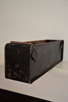vintage RARE black inscribed WILLOW 1957 metal ammo box