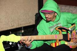 "Gruv Gear Welcomes New Artist Endorser, Bassist Dywane ""MonoNeon"" Thomas Jr."