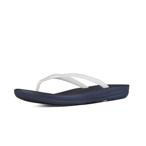 IQUSHION SUPER-ERGONOMIC TOE-THONG SANDALS NAVY WHITE