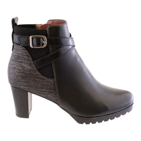 Susst black ankle boot chunky sole