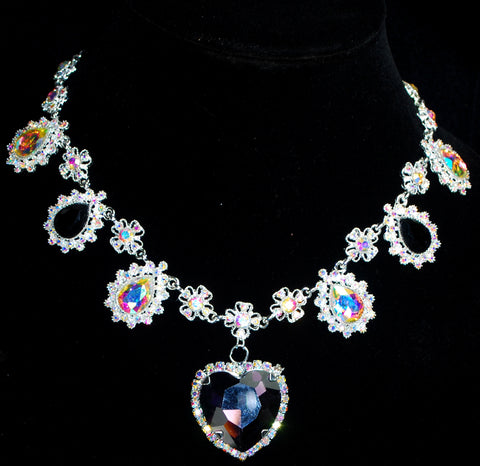 Crystal Heart Necklace from Puvithel
